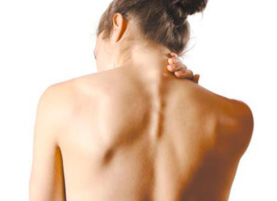 Лечение шейного остеохондроза мануальной терапией и иглотерапией